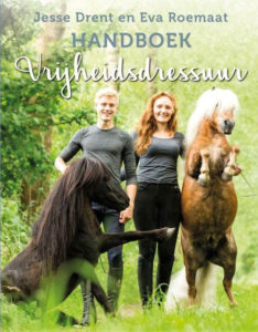 Recensie Handboek Vrijheidsdressuur van Jesse Drent en Eva Roemaat