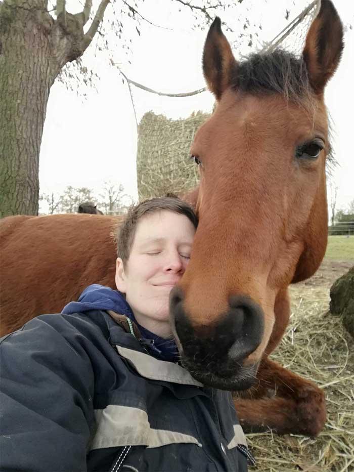 Mens en paard laten samenwerken vanuit verbinding